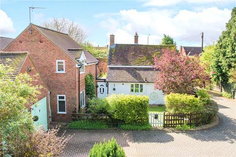 4 bedroom detached house for sale - Aylesbury Road, Bierton, Aylesbury, Buckinghamshire, HP22