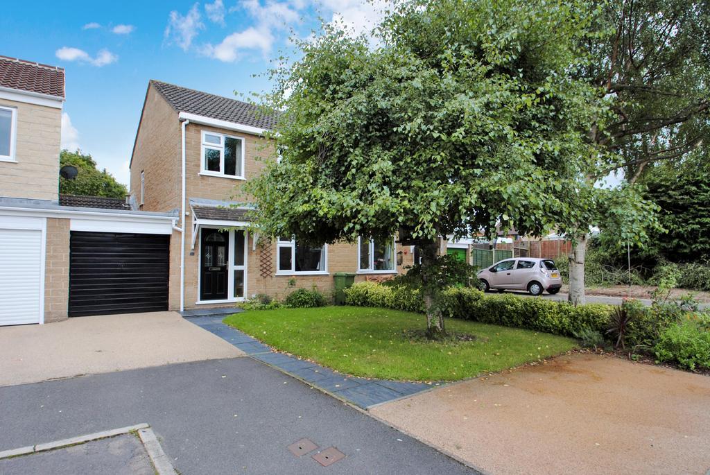 3 Bedrooms Semi Detached House for sale in Gillards, Bishops Hull