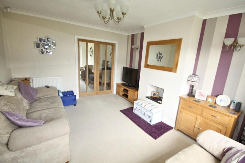 3 Bedrooms Semi Detached House for sale in Nickleby Road, Poynton, SK12