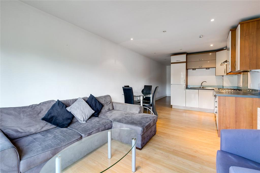 2 Bedrooms Flat for sale in Falcon Heights, 89-91 Falcon Road, London
