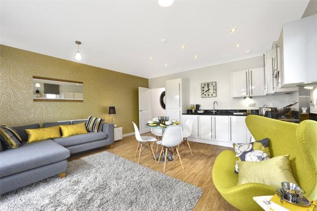 2 Bedrooms Apartment Flat for sale in Trumpington Meadows, Hauxton Road, Trumpington, Cambridge