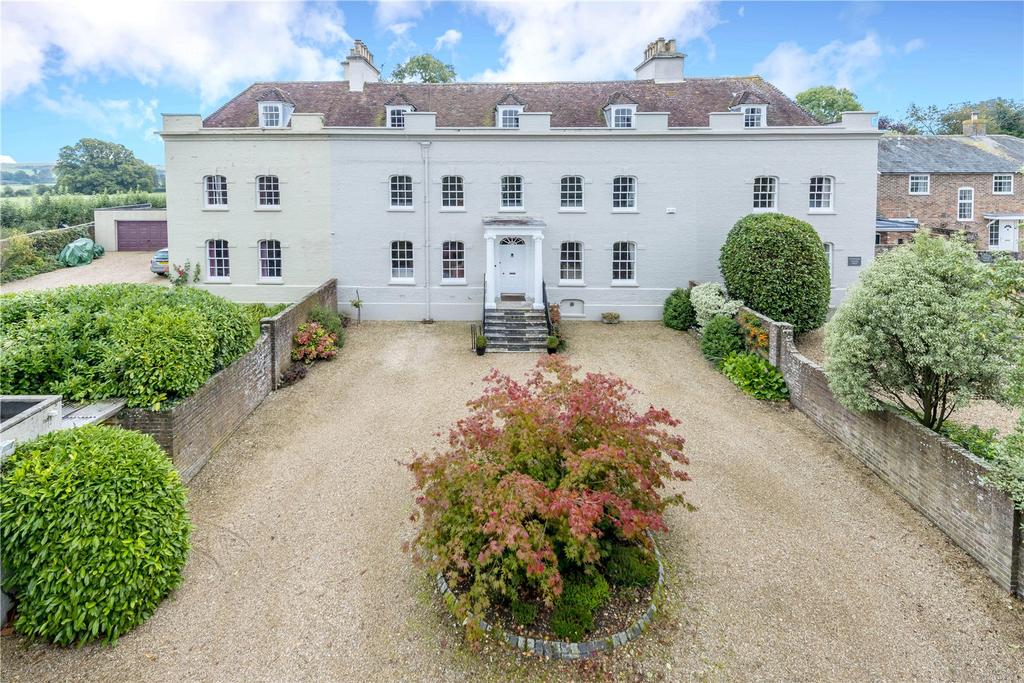 7 Bedrooms Mews House for sale in Blandford St. Mary, Blandford Forum, Dorset