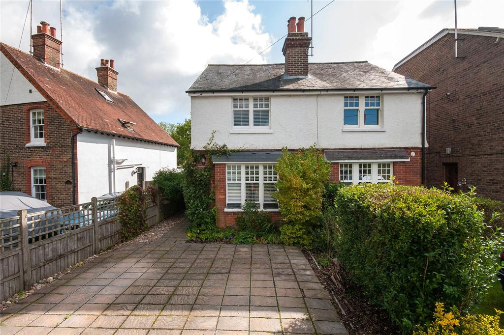 2 Bedrooms Semi Detached House for sale in New Cottages, Ironsbottom, Reigate, RH2