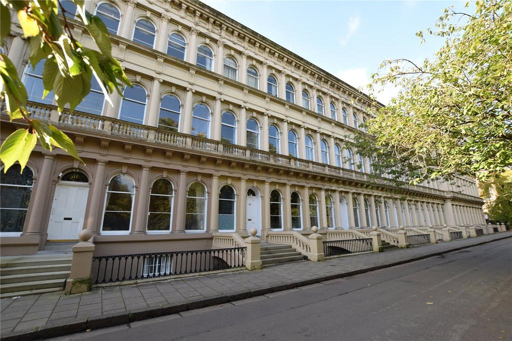2 Bedrooms Apartment Flat for sale in Grosvenor Terrace, Dowanhill, Glasgow