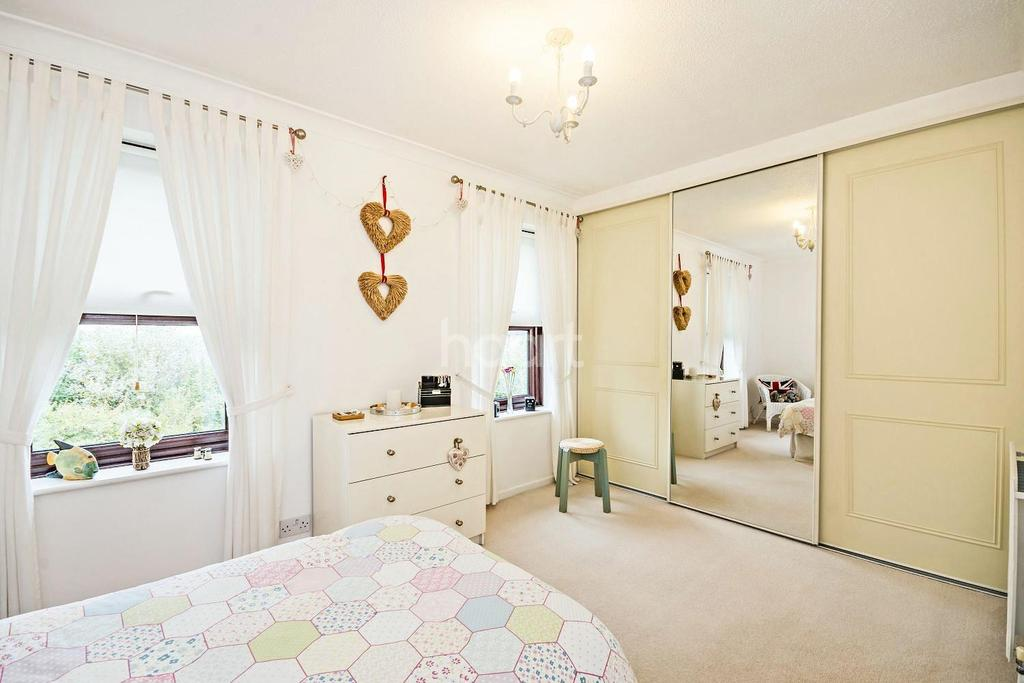 3 Bedrooms Terraced House for sale in Derwent Road, Raynes Park, London, SW20