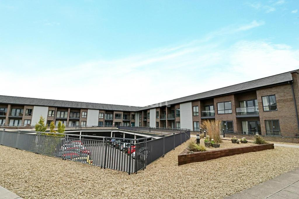 2 Bedrooms Flat for sale in Fire Fly Avenue, Swindon, Wiltshire