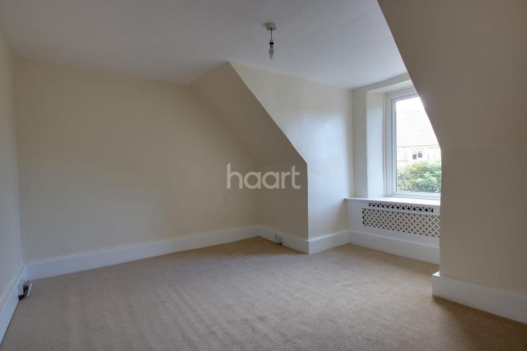 2 Bedrooms Maisonette Flat for sale in Victoria Road, Torquay