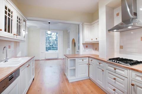 4 bedroom terraced house to rent - Arlington Square, Arlington Conservation Area, N1