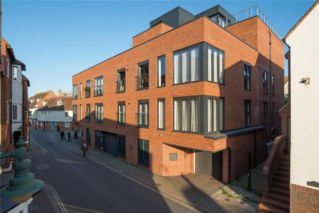 2 Bedrooms Flat for sale in The Beer Cart Building, 71 Stour Street, Canterbury, Kent