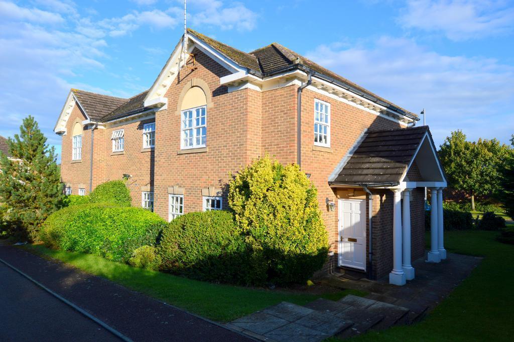 1 Bedroom Flat for sale in Skelton Close, Luton, Beds, LU3 4HE