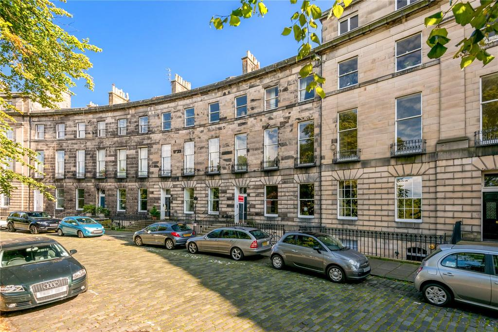 2 Bedrooms Flat for sale in 9/1 Royal Circus, New Town, Edinburgh, EH3