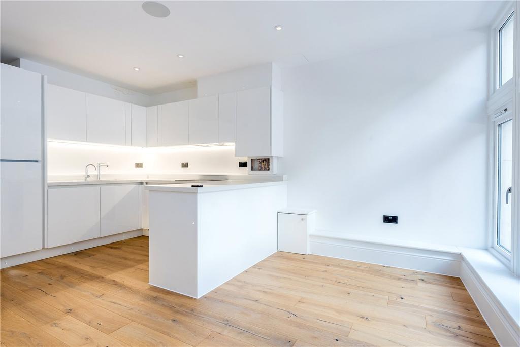 2 Bedrooms Flat for sale in Parkhurst Road, London, N7
