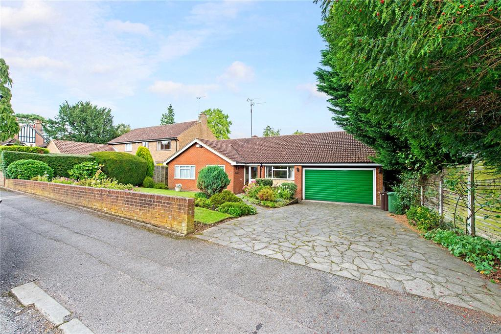 3 Bedrooms Detached Bungalow for sale in Salisbury Avenue, Harpenden, Hertfordshire, AL5
