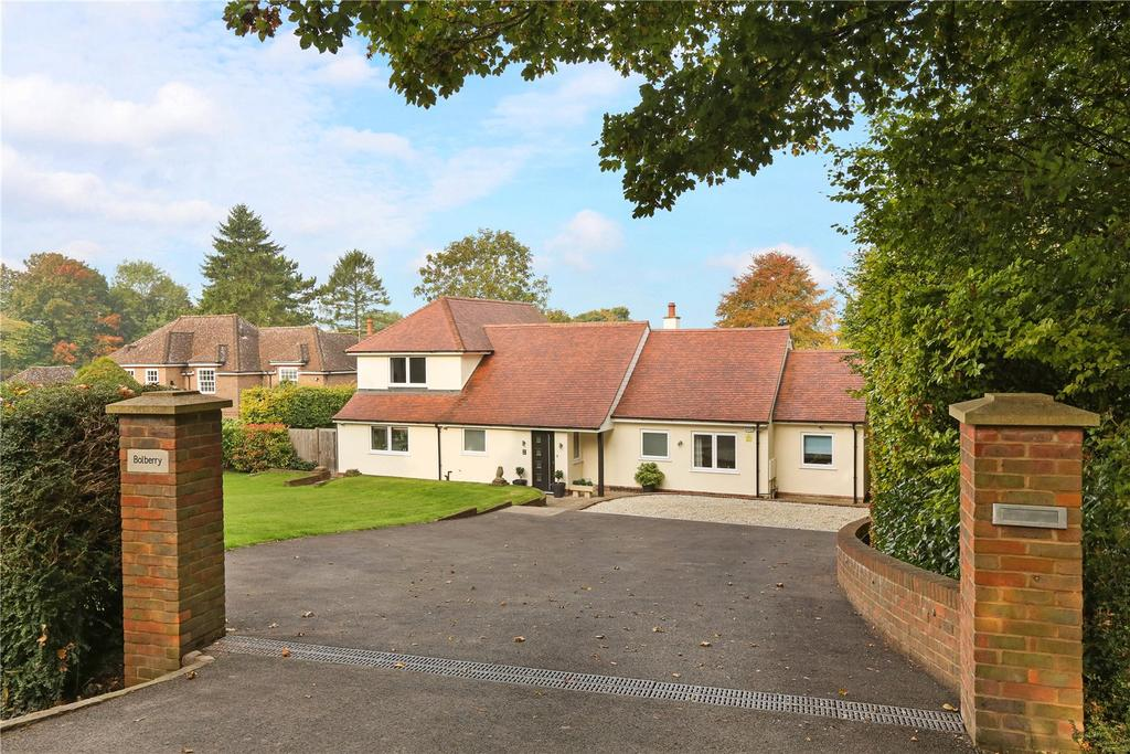 5 Bedrooms Detached House for sale in Whiteleaf, Princes Risborough, Buckinghamshire, HP27