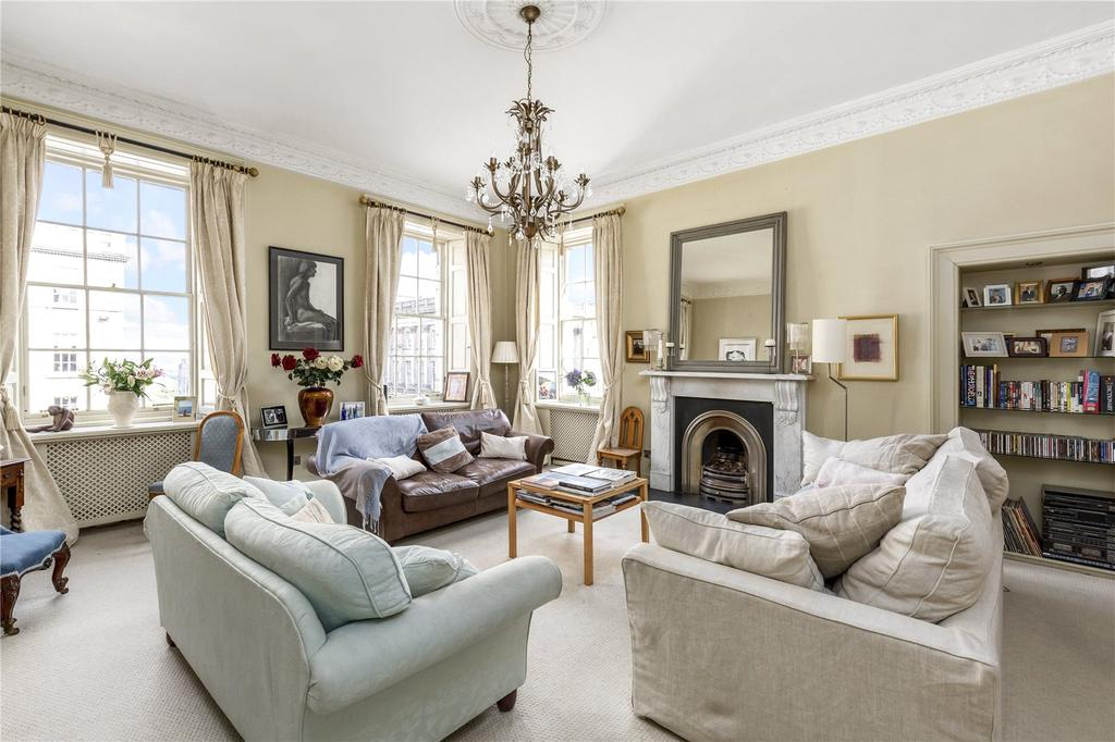3 Bedrooms Flat for sale in 56 (2F) Hanover Street, New Town, Edinburgh, EH2