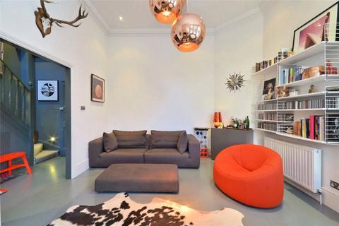 2 bedroom flat for sale - Eton Avenue, Belsize Park, London, NW3