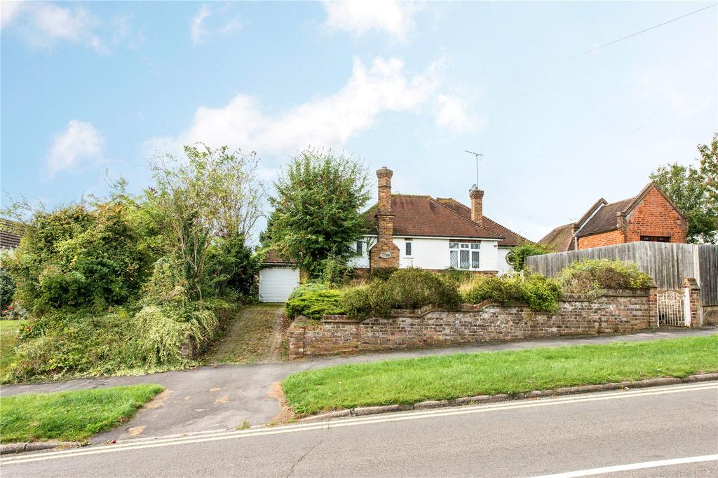 2 Bedrooms Detached Bungalow for sale in Green Street, Chorleywood, Rickmansworth, Hertfordshire, WD3
