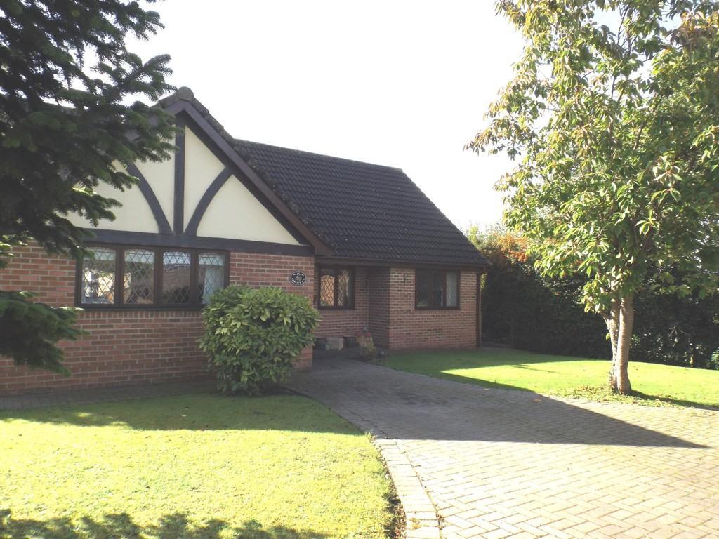 3 Bedrooms Detached Bungalow for sale in Fairview Avenue, Weston