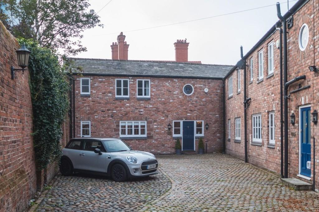 3 Bedrooms Mews House for sale in King Street, Chester