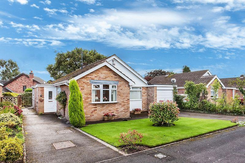 3 Bedrooms Detached Bungalow for sale in Truro Close, Congleton