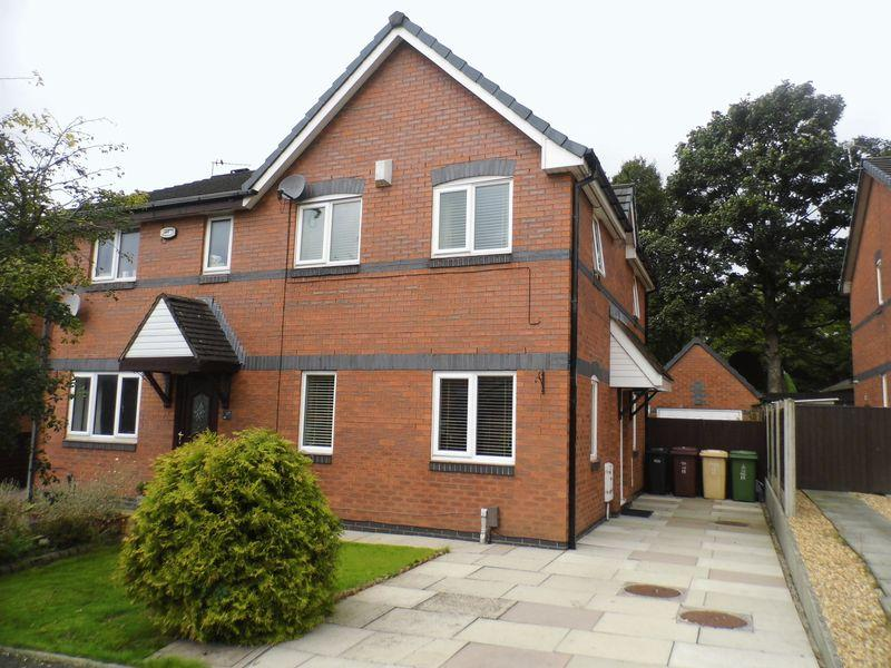 3 Bedrooms Semi Detached House for sale in Kerans Drive, Bolton