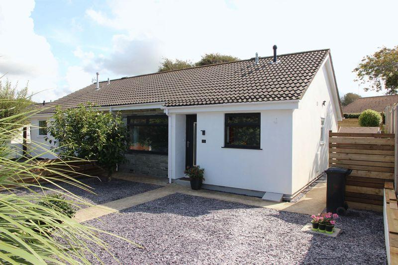 2 Bedrooms Semi Detached Bungalow for sale in Bedowan Meadows, Newquay