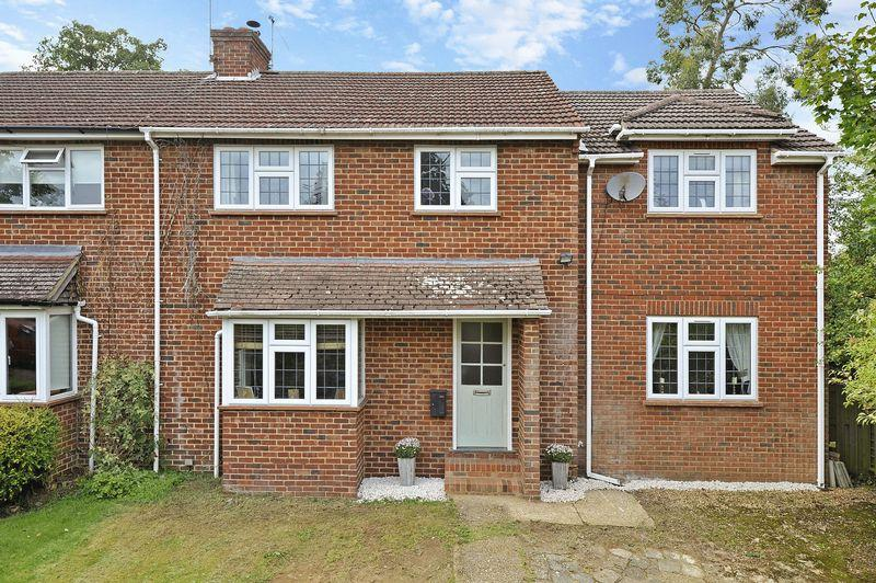 5 Bedrooms Semi Detached House for sale in Witley