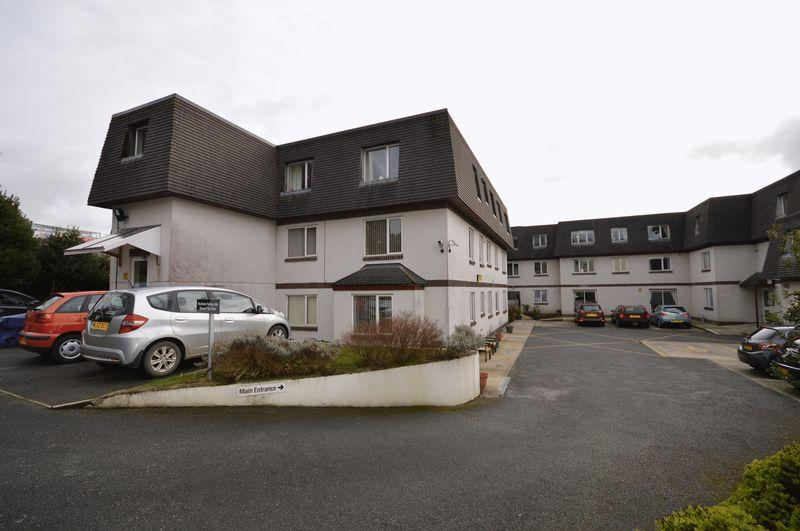 2 Bedrooms Apartment Flat for sale in Trevarthian Road, St. Austell