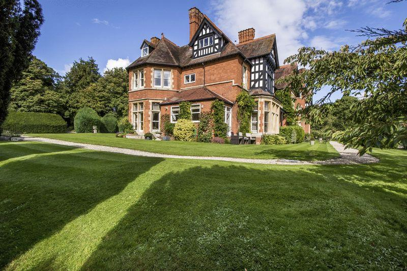 2 Bedrooms Apartment Flat for sale in Temple Grafton, Nr Stratford-upon-Avon