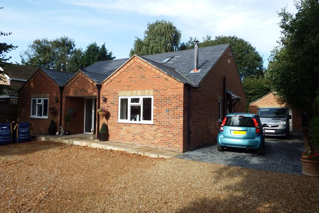 4 Bedrooms Chalet House for sale in High Street, Gosberton, PE11