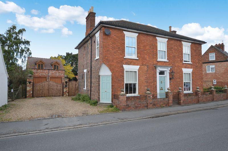 3 Bedrooms Detached House for sale in Annessley House, 31 High Street, Tattershall