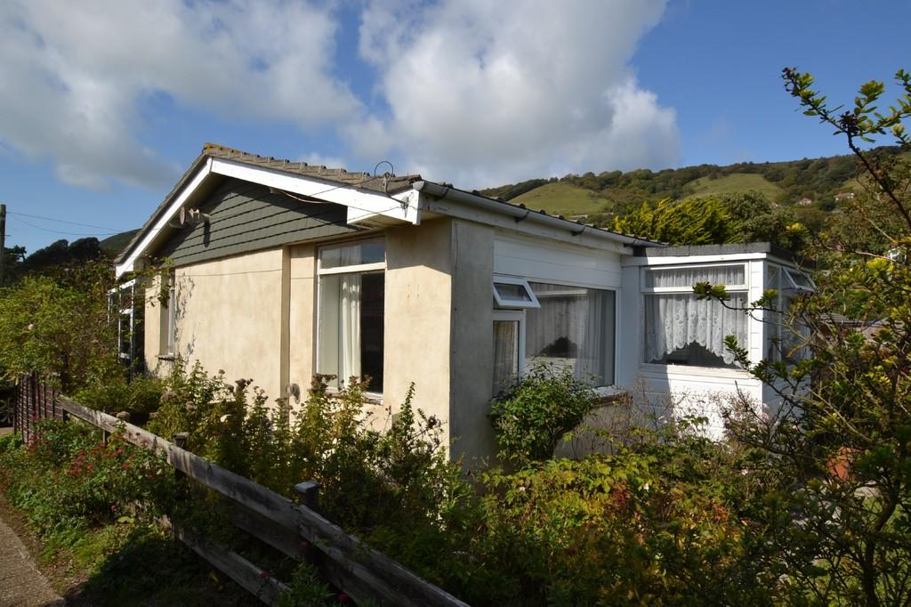 2 Bedrooms Detached Bungalow for sale in Shore Road, Bonchurch