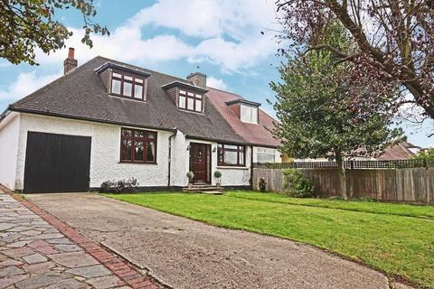 4 bedroom bungalow for sale - Barton Road, Sidcup