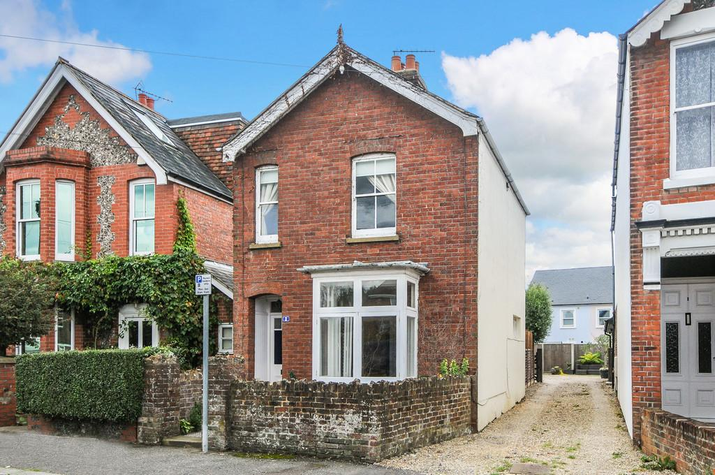3 Bedrooms Cottage House for sale in Pound Farm Road, Chichester