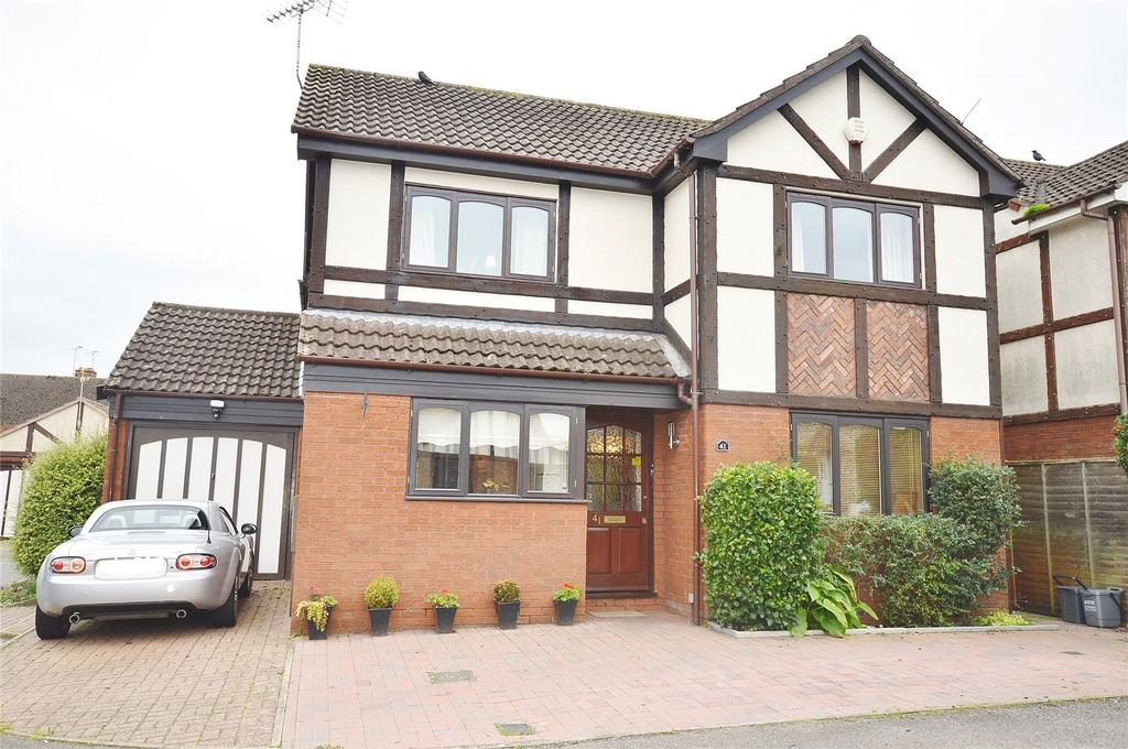 4 Bedrooms Detached House for sale in Tudor Manor Gardens, Garston, Hertfordshire, WD25