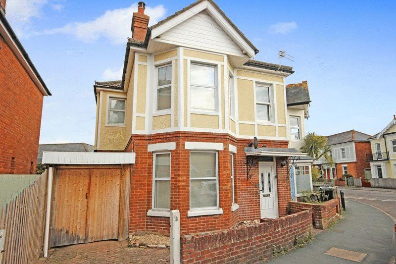 4 Bedrooms Semi Detached House for sale in CHRISTCHURCH