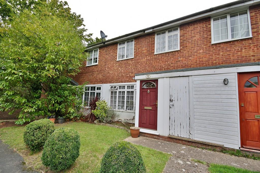 3 Bedrooms Terraced House for sale in St. John's, Woking