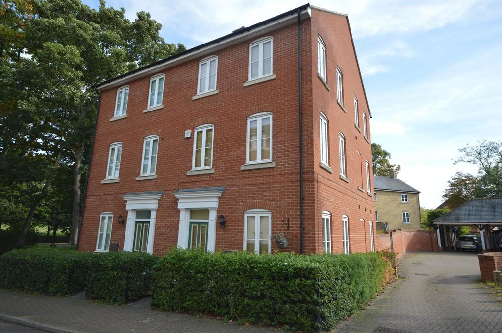 3 Bedrooms Town House for sale in Abbey Field View, Colchester
