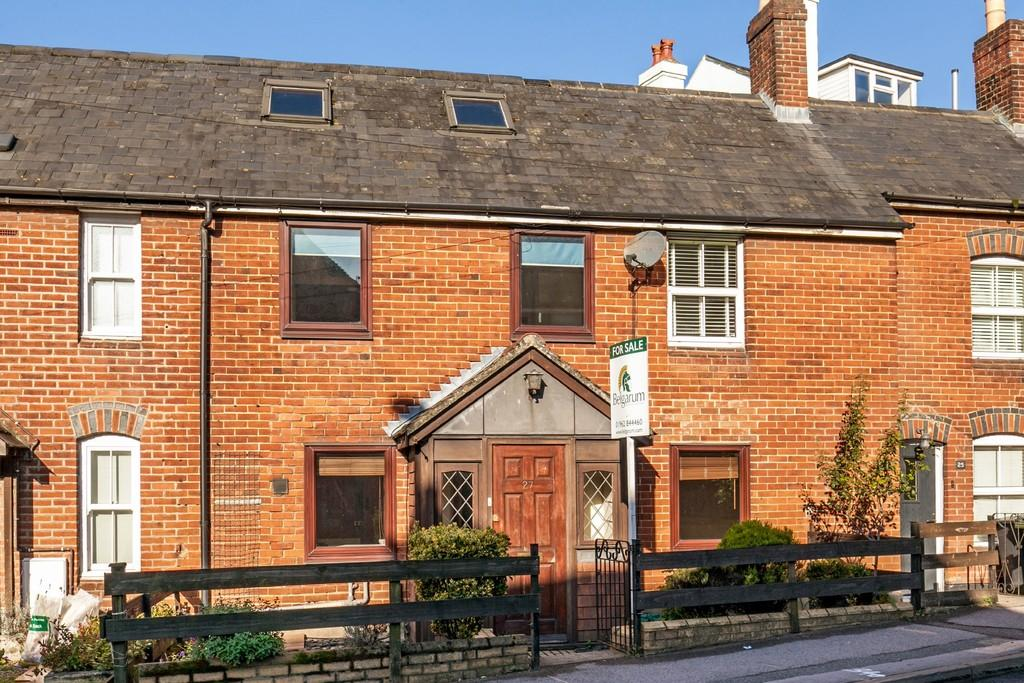 2 Bedrooms Terraced House for sale in Bar End Road, Winchester, SO23