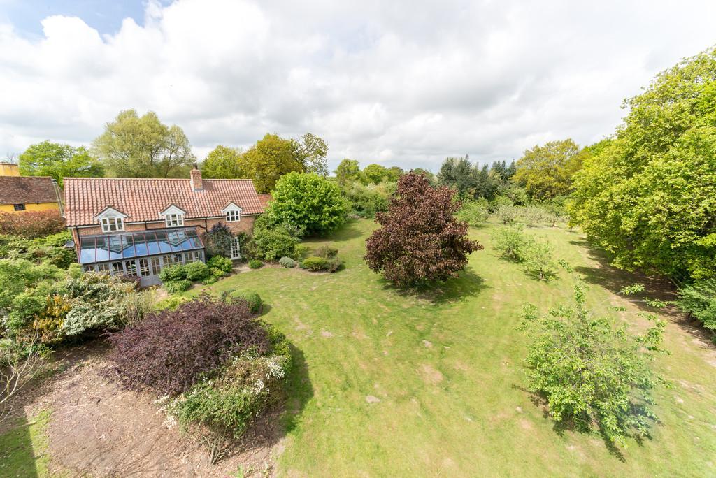 3 Bedrooms Detached House for sale in Halstead, Essex