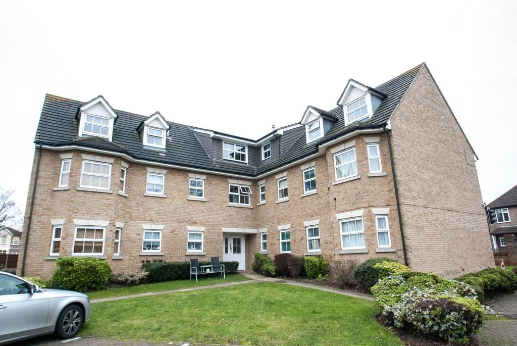 2 Bedrooms Apartment Flat for sale in The Courtyard, Brentwood, Essex, CM15