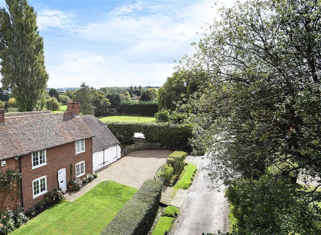4 Bedrooms Cottage House for sale in Back Lane, East Clandon, Surrey, GU4