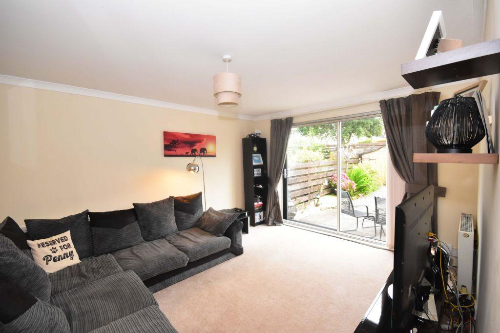 2 Bedrooms Terraced House for sale in 5 Mortonhall Park Green, Edinburgh, EH17 8SP