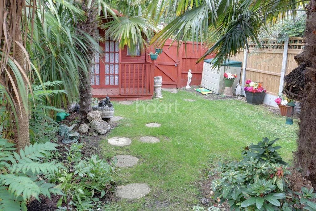 3 Bedrooms Terraced House for sale in Sparkbridge, Laindon