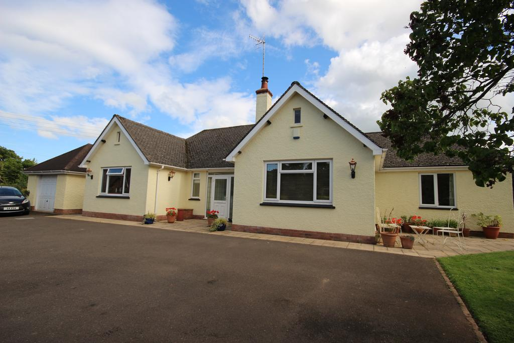 4 Bedrooms Detached Bungalow for sale in Sampford Brett, Taunton TA4