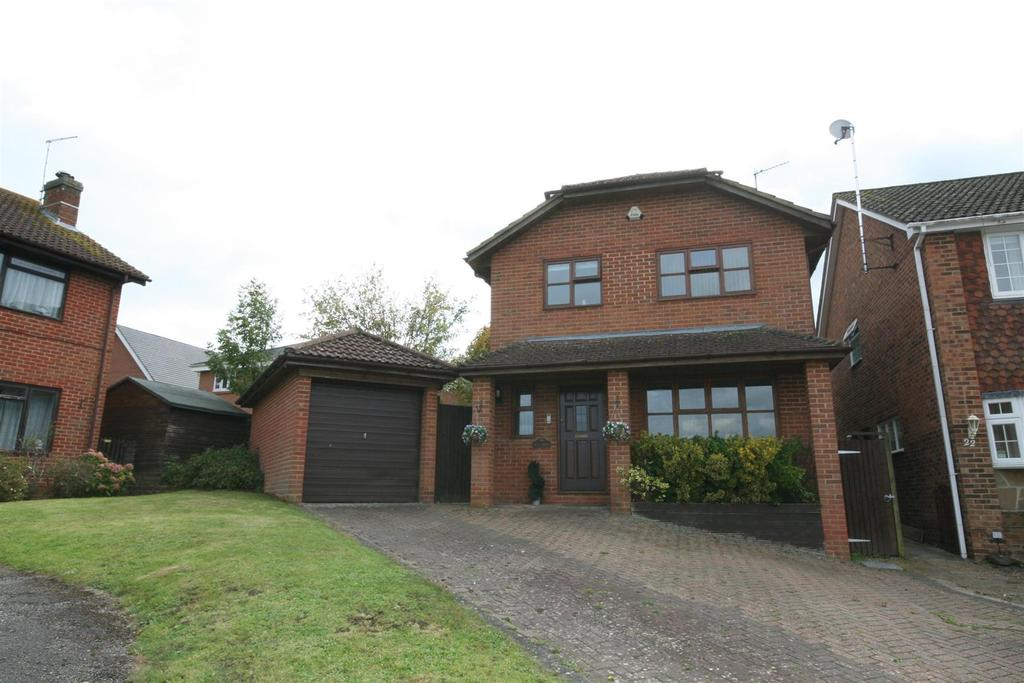 3 Bedrooms Detached House for sale in Marle Avenue, Burgess Hill