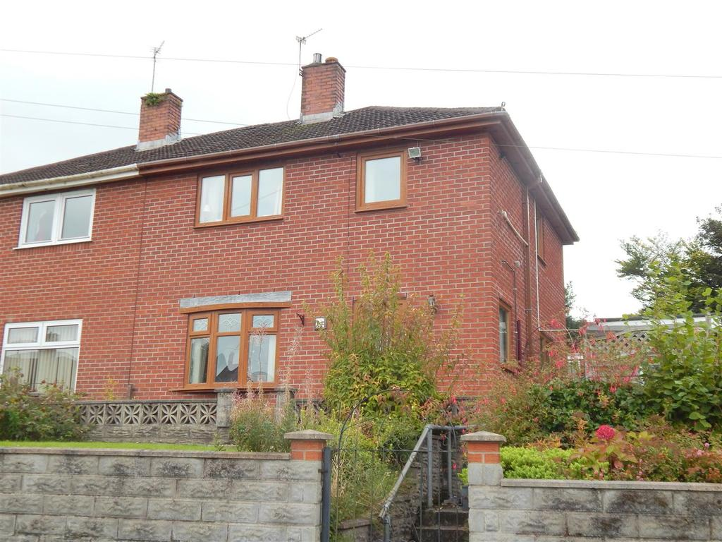 3 Bedrooms Semi Detached House for sale in Fairview Road, Llangyfelach, Swansea