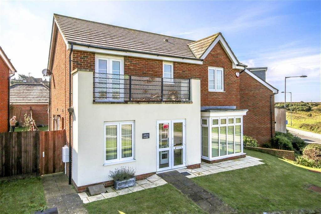 4 Bedrooms Detached House for sale in Hawth Hill, Seaford