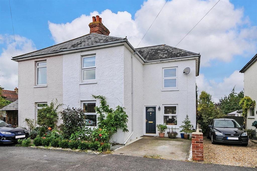 5 Bedrooms Semi Detached House for sale in Gifford Road, Bosham