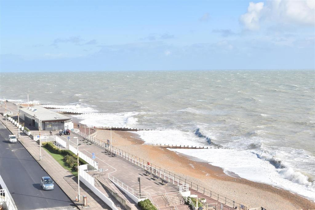 2 Bedrooms Flat for sale in Marina, St. Leonards-On-Sea